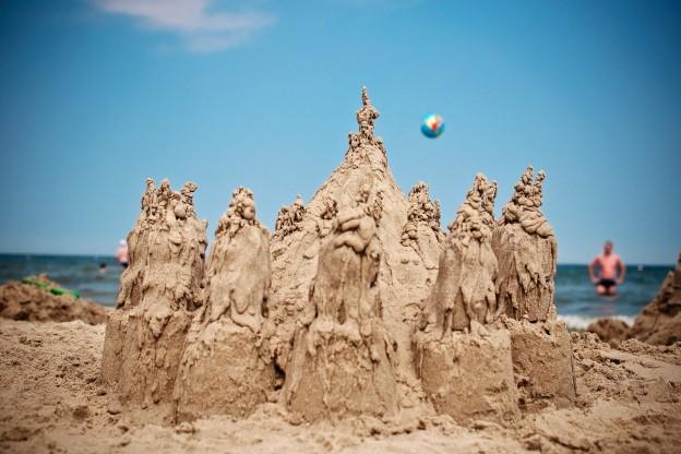 sand-castle-796488_1920 (1)