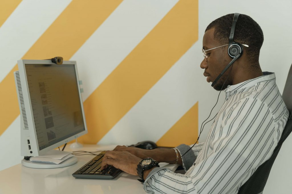 Virtual assistant working for customer support